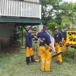 2014 04 16 Townsville Cleaning Up.jpg